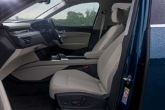 Передний ряд сидений Audi e-tron
