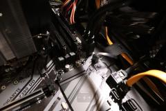 Подключаем шлейфы и кабели от панели управления