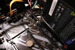 Подключаем кабели