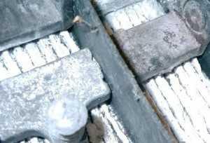 Сульфатация пластин - частая причина выхода аккумулятора из строя