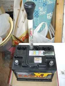 Измерение плотности электролита аккумулятора