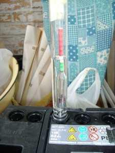 Измерение плотности электролита АКБ
