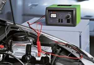 Сколько заряжать автомобильный аккумулятор