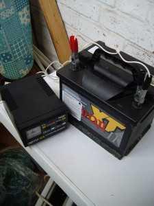 Зарядка аккумулятора от сетевого зарядного устройства
