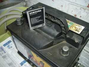 Батарея телефона и автомобильный аккумулятор