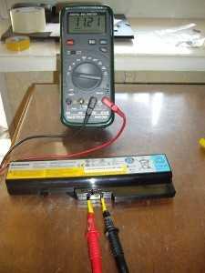 Замер напряжения батареи