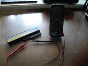 Проверка напряжения на коннекторе батареи
