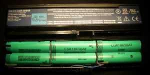 Литиевые элементы в аккумуляторной батарее ноутбука