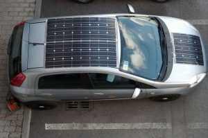 Солнечные панели на крыше машины