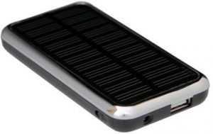 ЗУ на солнечных батареях должно иметь разъём для зарядки от сети