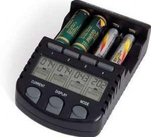 Зарядное устройство для Ni─Cd и Ni─MH аккумуляторов