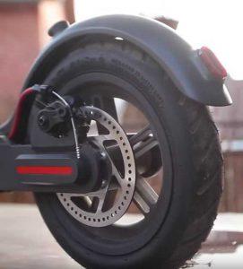 Накачиваемое колесо электроскутера
