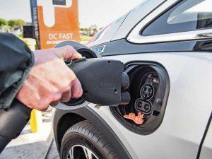 Компания GM объявила об отзыве 68 тысяч электромобилей Bolt EV 2017─2019 г. в.