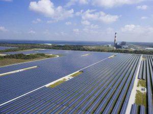 FPL работает над установкой аккумуляторов для хранения солнечной энергии