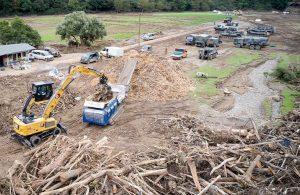 Компания Kockmann принимает участие в ликвидации наводнений с помощью шредера Lindner Urraco 95DK