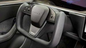Новое рулевое колесо Tesla Model S