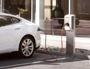 К 2025 году в Северной Америке и Европе будет около 8 млн зарядок для электромобилей
