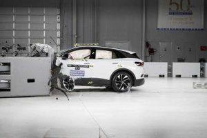 Volkswagen ID.4 2021 получил награду Top Safety Pick+ от IIHS