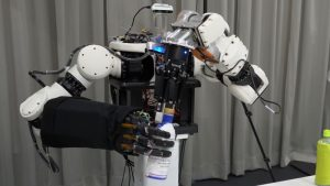 Компания Honda занялась роботом-аватаром и многоразовыми ракетами