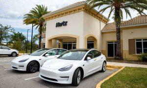 Hertz предложат в аренду Tesla Model 3