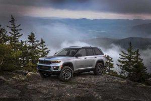 Компания Jeep опубликовала некоторые характеристики Grand Cherokee 4xe 2022 модельного года